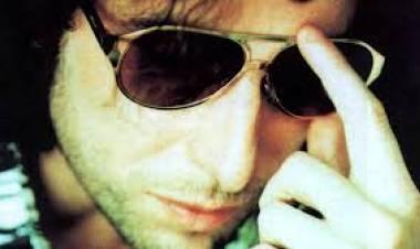 """El 15 de mayo de1997 se lanza """"Alta suciedad"""", deAndrés Calamaro"""
