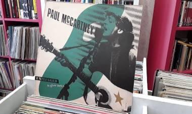 "El 20 de mayo de1991 se edita ""Unplugged (The official bootleg)""dePaul McCartney"