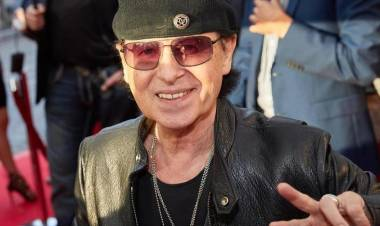 El 25 de mayo de1948 nace Klaus Meine cantante de Scorpions