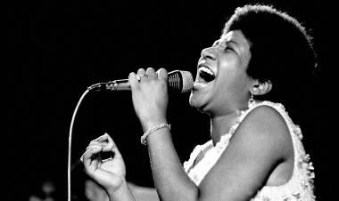 """El 3 de junio de 1967 """"Respect"""" de Aretha Franklin alcanzó # 1 en Estados Unidos"""