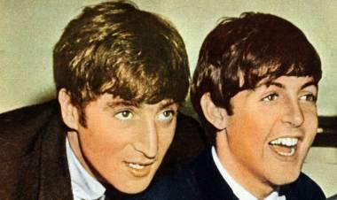 El 15 de junio de 1956 se conocieron John Lennon y Paul McCartney