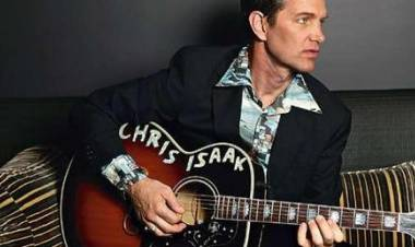 El 26 de junio de 1956 nace Chris Isaak