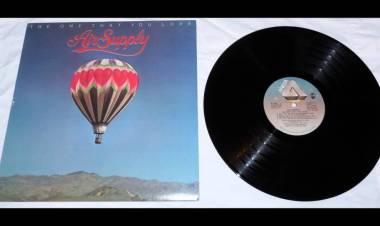 """El 11 de julio de 1981 Air Supply lanzan el álbum """"The One That You Love"""""""