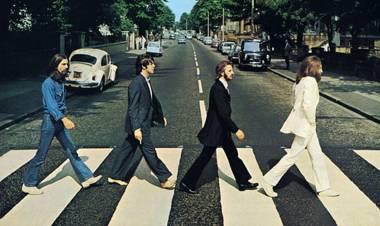 """Se cumplieron 50 años la famosa foto de tapa del disco """"Abbey Road"""" de Los Beatles"""