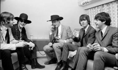 La noche que los Beatles conocieron a Bob Dylan y la marihuana