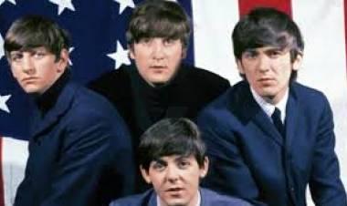 El 4 de abril de 1964Los Beatles hacen historia al ocupar los primeros cinco lugares en el chart de singles de los Estados Unidos