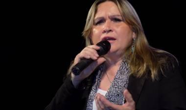 La folclorista santafesina Gabriela Roldán nos habló de su nuevo material discográfico