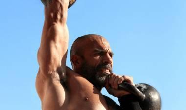 """Mariano Ocampo, exboxeador y entrenador de crossfit y una campaña solidaria por el """"Día del Niño"""""""