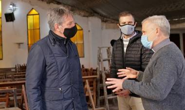 El padre Axel Arguinchona se suma al programa municipal del voluntariado
