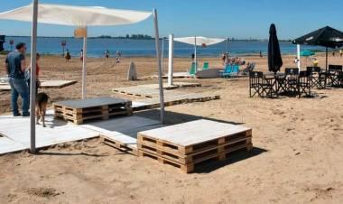 Matías Schmuck y las ideas del municipio para los paradores y playas de cara al verano en la ciudad