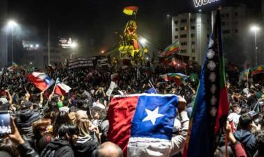 Cristian Riom analiza el plebiscito para la nueva constitución en Chile