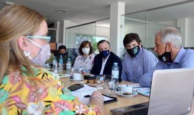 """El Foro de Intendentes y legisladores radicales ven un Gobierno Provincial """"prácticamente ausente"""""""