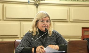 Claudia Balagué y la postura del FPCyS sobre la revocación de titularizaciones docentes