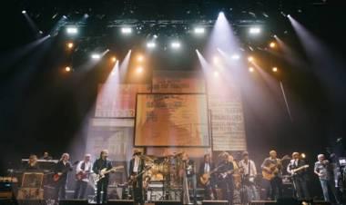 Billy Gibbons (ZZ TOP) y Kirk Hammett (Metallica) junto a Mick Fleetwood & Friends