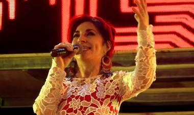 Julia Elena Peresson una de las voces más vigentes del folclore santafesino