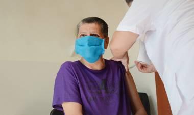 La provincia comenzó a vacunar contra el Covid a personas con discapacidad alojadas en instituciones cerradas