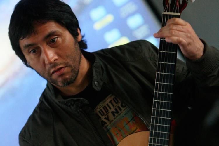 El 13 de julio de 1965 nace Claudio Narea fundador de Los Prisioneros