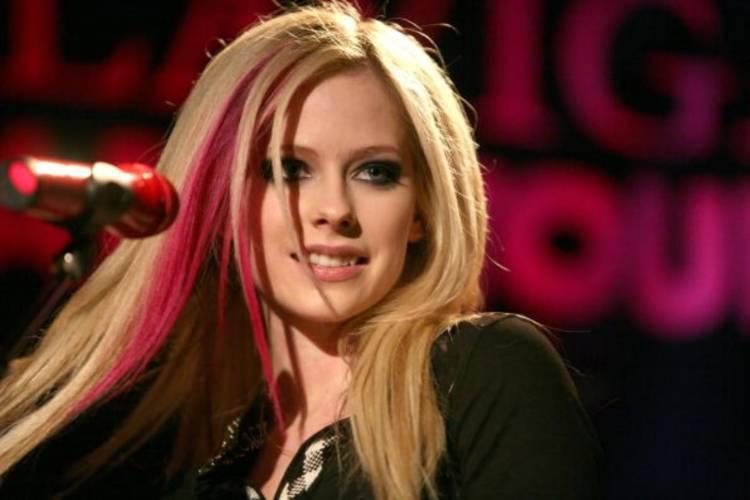 El 27 de setiembre de 1984 nace Avril Lavigne
