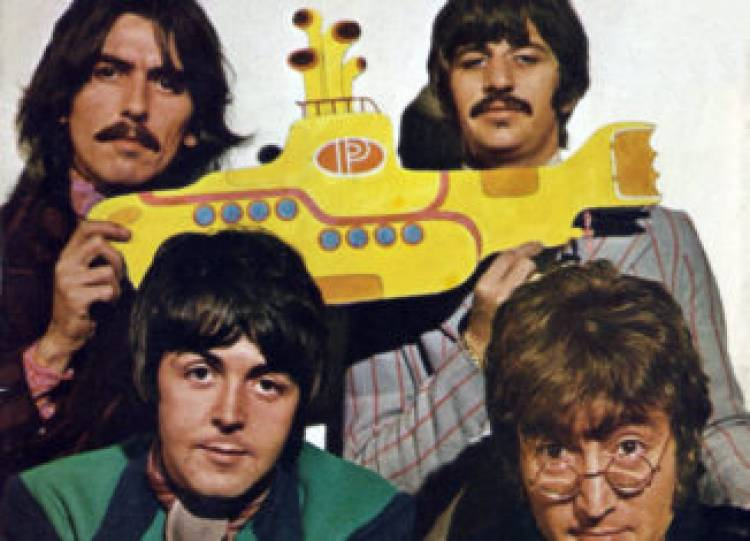 13 de Enero de 1969 se lanza la banda sonora de la banda The Beatles llamada Yellow Submarine en USA.