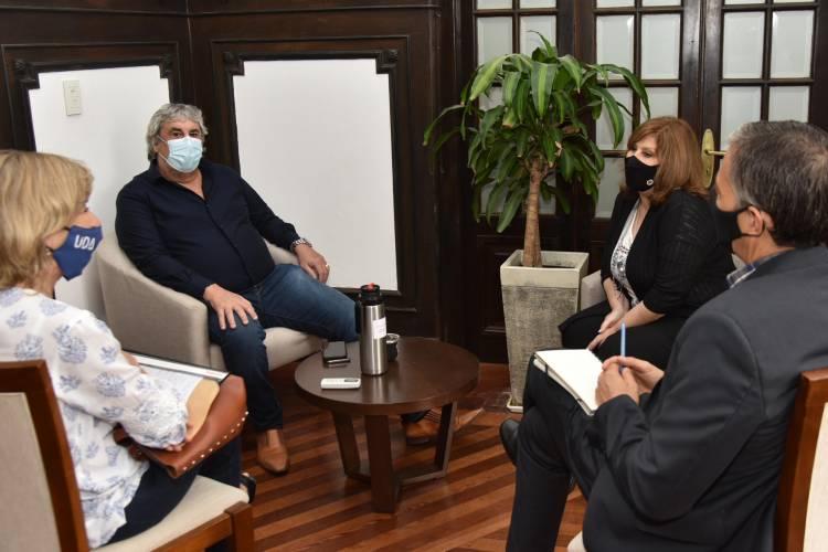 La ministra de educación habló con Romero para comunicarle la modificación de la propuesta salarial