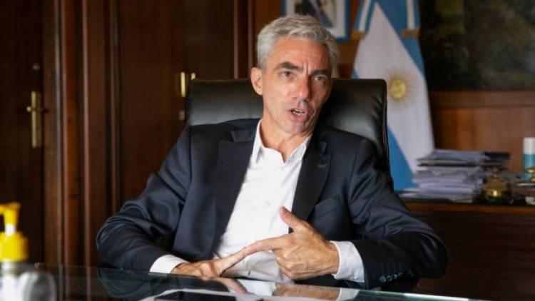 El Ministro Mario Meoni diserta en el Foro de Graduados y Graduadas